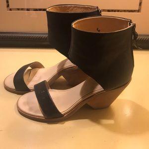 Black leather KOOLABURRA Santa Barbara sandal
